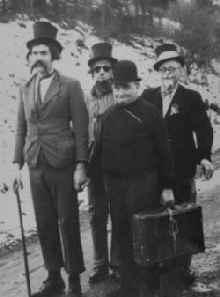 Franz Freischmidt, Heinrich Knörr, Toni Reuter und Willi Schmengler 1949 Karnevalisten der 1. Stunde